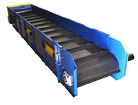 slider-bed-conveyor-with-cleated-belt-hydraulic-drive