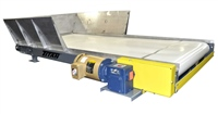 wide-slider-bed-belt-conveyor-stainless-construction-with-hopper