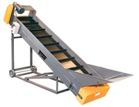 cleated-belt-conveyor-with-infeed-hopper-&-adjustable-under-carriage